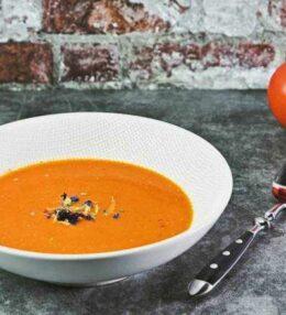 Tomatencreme Suppe, kalt oder warm ein Genuss