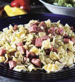 würzige Wurstfleckerl, ein schnelles Gericht