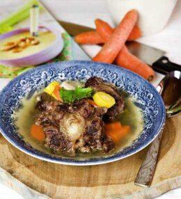 Ochsenschwanz Suppe vom Wagyu (Super Rind)