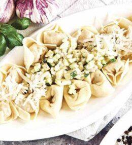 gefüllte Nabeltaschen mit Zucchinisoße, göttlich und schnell