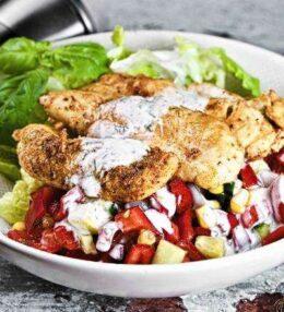 Salat Bowl gegrillte Hühnerstreifen, 1 x Spezialgewürzmischung