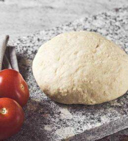 Pizzateig, ganz einfach und unkompliziert, so gelingt er!