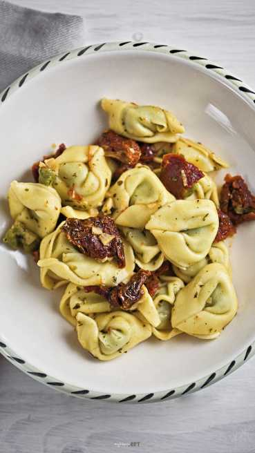 Tortellini Tomate Knoblauch Abbildung 1