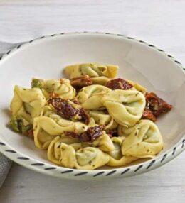 Tortellini pomodoro aglio olio d'oliva, einach wunderbar