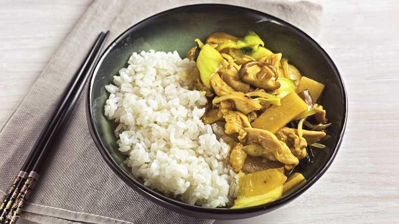 Wok Pfanne Huhn Reis Rezept