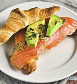 Lachs Croissant, nicht nur ein Snack, eine Geschmacks-Explosion, 100 % Genuss!