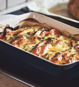 Gemüse Gratin im Ofen mit viel natürlicher Soße, einfach eine Gaumenfreude