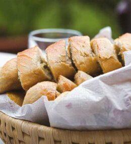Kräuterbaguette, die beliebte Grillbeilage selbst gemacht, ja das geht!