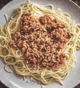 Schnelle Spaghetti Bolognese mit etwas Mehr! Wenn es schnell gehen muss