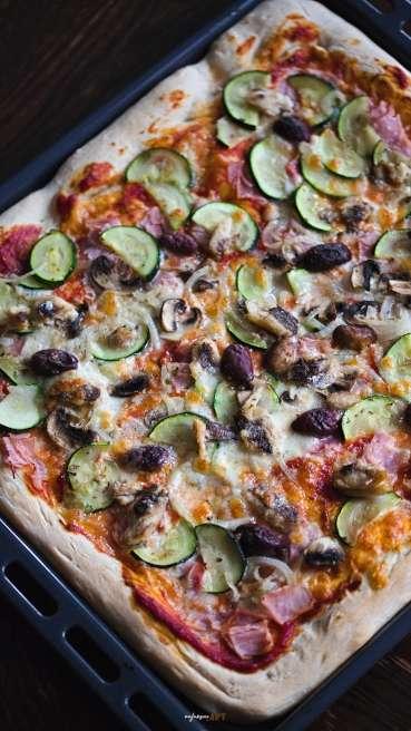 Blechpizza Gemüse Sardinen Abbildung 2