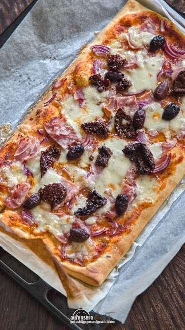 Grill Teig Pizza Schinken Käse Olive Abbildung 1