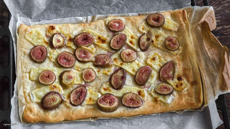 Grillteig Pizza Camembert Feige Rezept