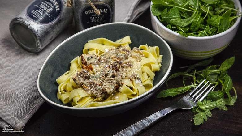 Tagliatelle Gorgonzola Tomate Rezept